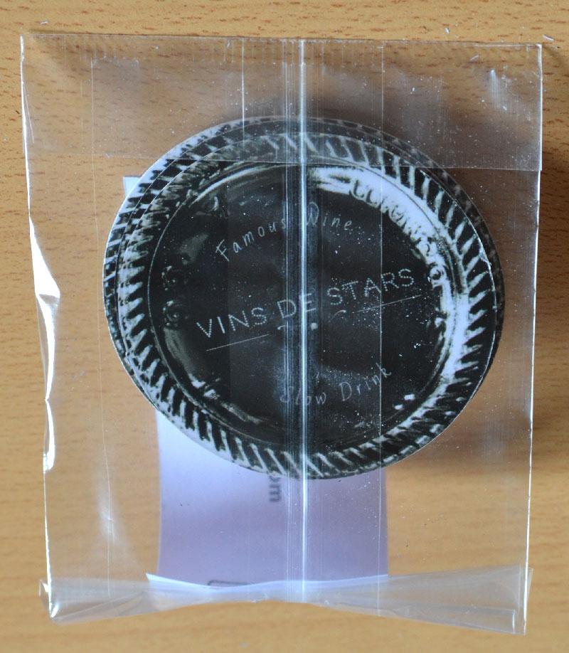 carte de visite ronde et originale pour un marchand de vin